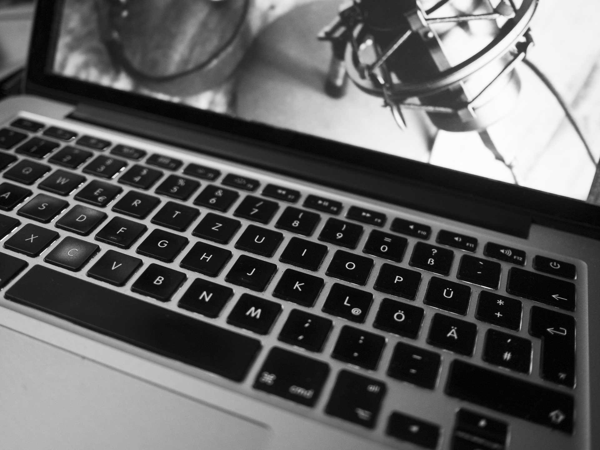 boudoir podcast tastatur